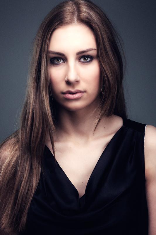 Karoliina_800px-130209-2408